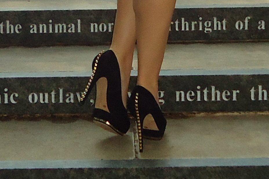 vince camuto shoes black